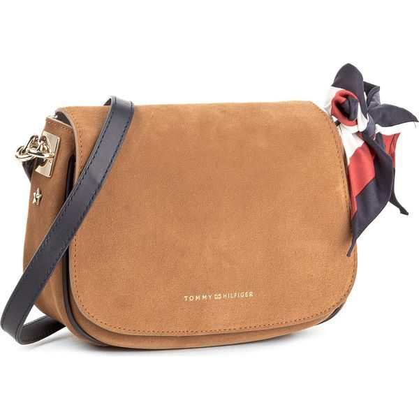 00902d585 Torebka TOMMY HILFIGER – Iconic Foulard Leather Saddle Bag Suede AW0AW04961  295