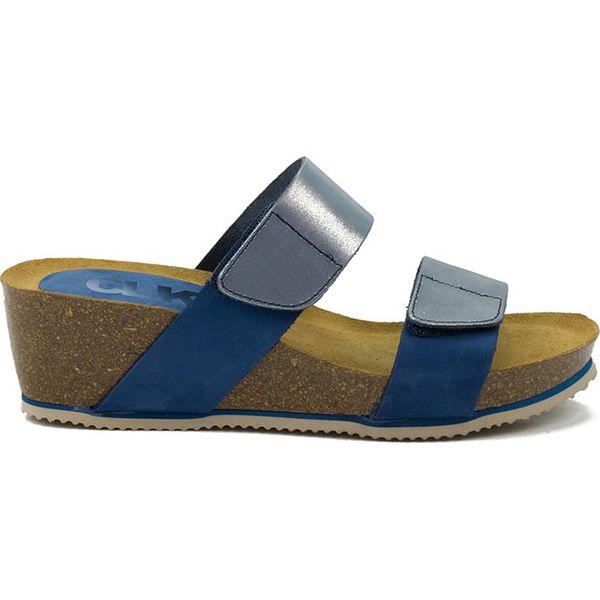 Skórzane sandały w kolorze niebieskim
