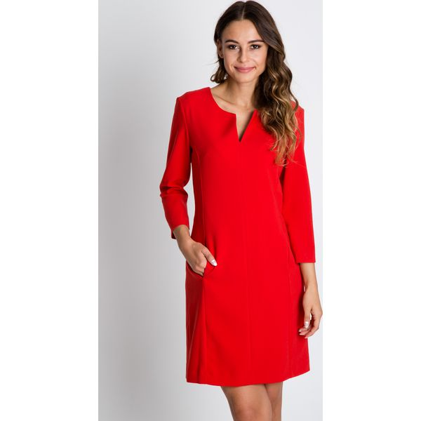 c8f3809590 Czerwona sukienka z rękawem 3 4 BIALCON - Czerwone sukienki marki ...