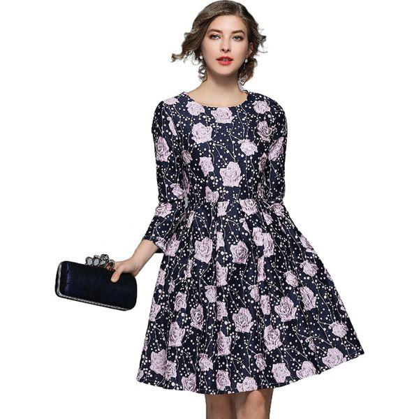 19720c393e Sukienka w kolorze ciemnoniebieskim ze wzorem - Niebieskie sukienki ...