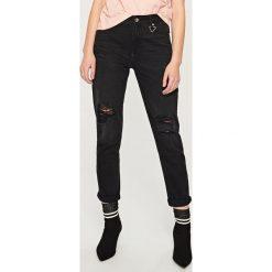 4272449e018e Jeansy z przetarciami - Czarny. Jeansy marki Reserved. Za 99.99 zł.