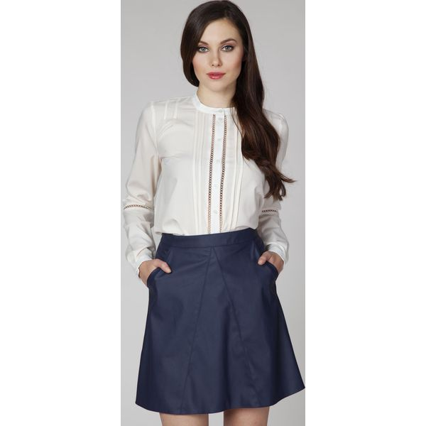 Najnowsze Kremowa Elegancka Bluzka Koszulowa z Ażurowymi Wstawkami - Białe OT77